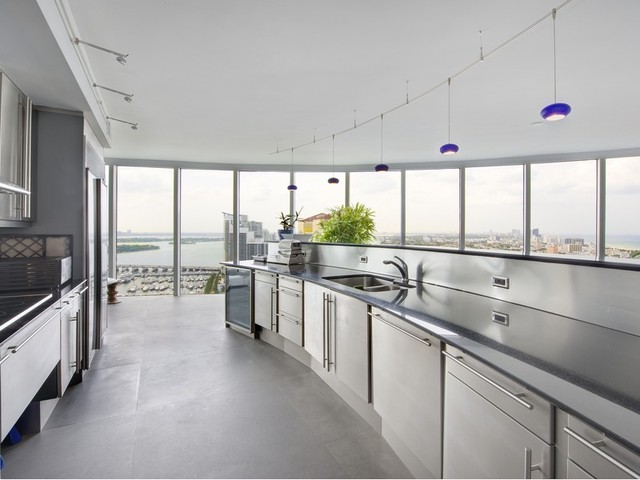 miami-beach-fl2-kitchen