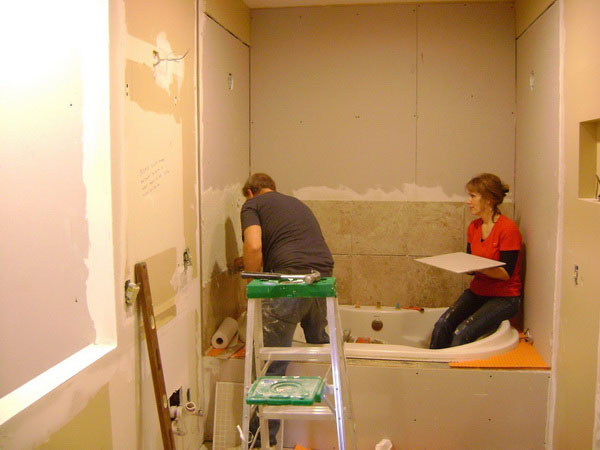 Diy-Bathroom-Remodel-With-the-Wall-Design