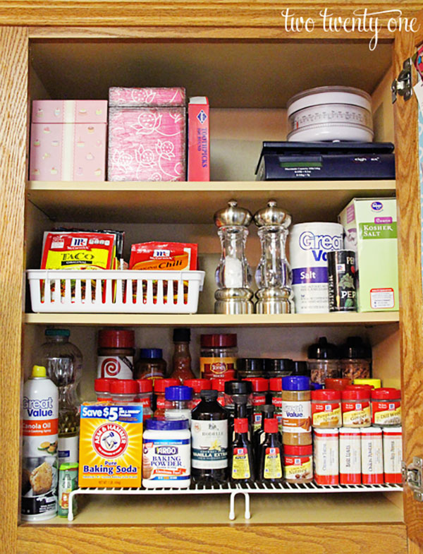 10 Organized Kitchen Cabinets And Drawers Homes Com