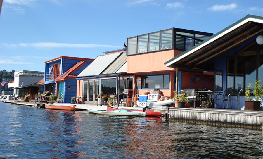 floating-home-exterior